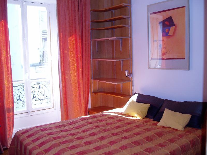Luminous & elegant apart JB Dumas Apt  #1241 - Image 1 - Paris - rentals