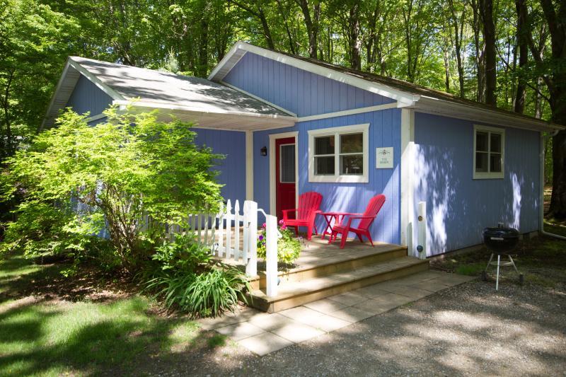 Robin Cottage Exterior - Sweethaven Cottages - Union Pier - rentals
