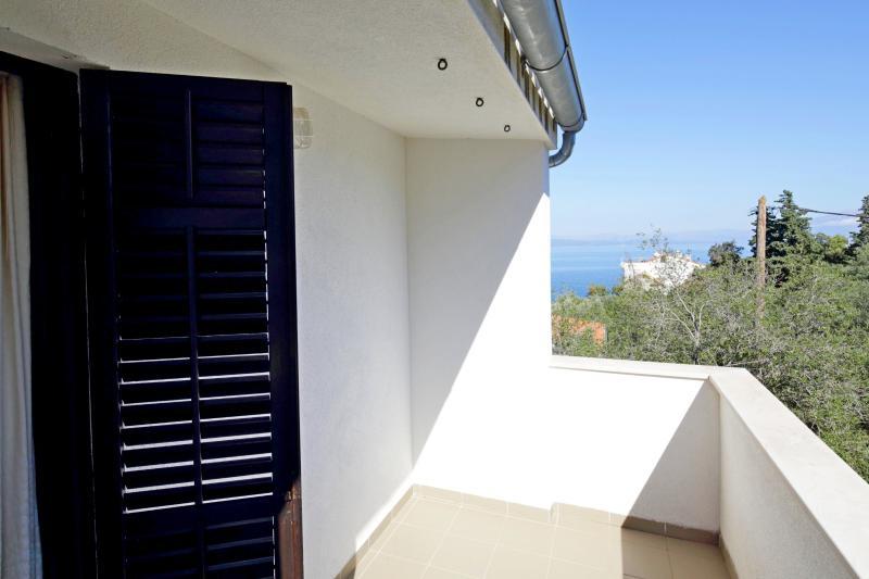 Apartments Igor - 44141-A6 - Image 1 - Gdinj - rentals