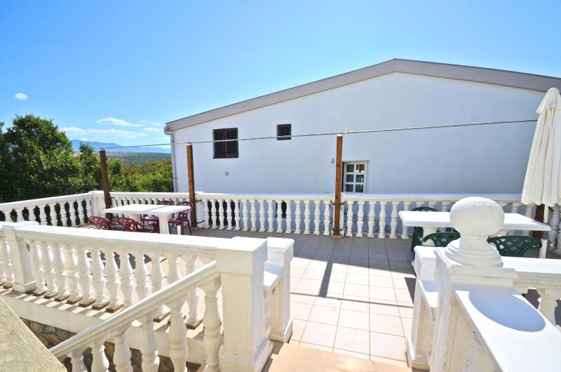 Apartments Katica - 60631-A4 - Image 1 - Omisalj - rentals