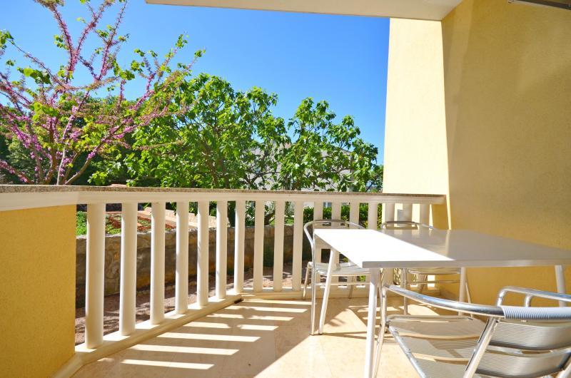Apartments Vesna - 67891-A1 - Image 1 - Malinska - rentals