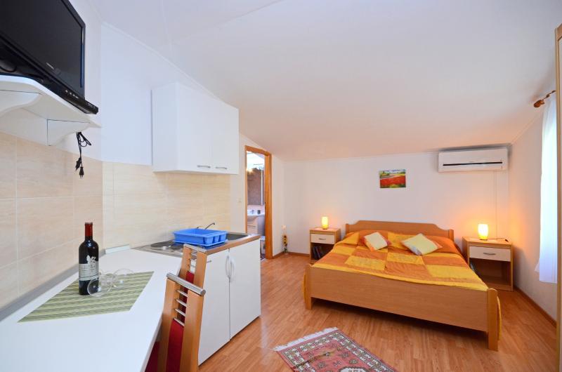 Apartments Stana - 73361-A3 - Image 1 - Fazana - rentals