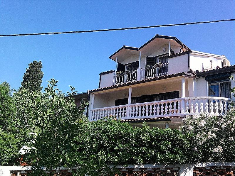 house front - App.for 6 persons, Novi Vinodolski - Novi Vinodolski - rentals