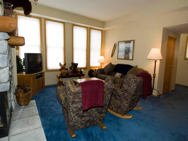 Lovely Condo with 2 Bedroom/2 Bathroom in Mammoth Lakes (#903 Par Court) - Image 1 - Mammoth Lakes - rentals