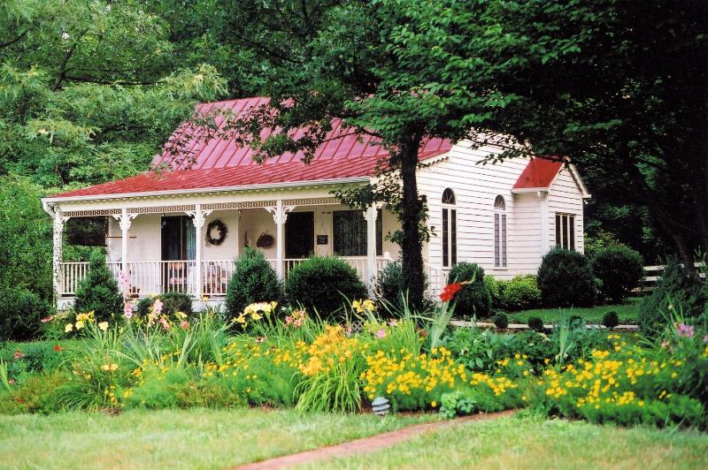 The Cottage! - Cedar Hill cottage - perfect for 2 - Charlottesville - rentals