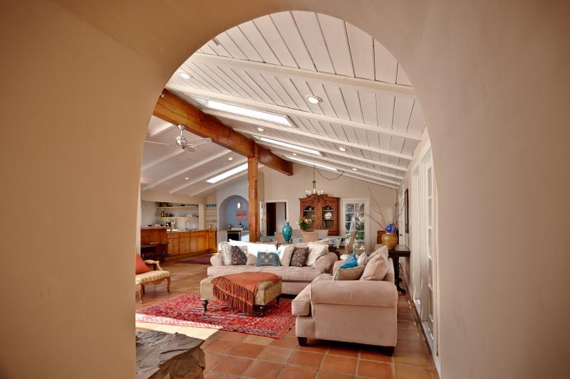 La Casita - Amazing Spanish Style Home w/ Hot Tub - Image 1 - Idyllwild - rentals
