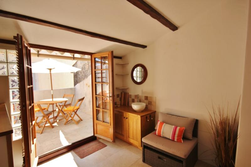 Antibes - Romantic and charming town house - Image 1 - Antibes - rentals