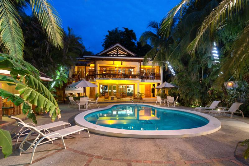 Casita (lower level), Villa (upper level) and Pool - Casa Cook - Tamarindo - rentals