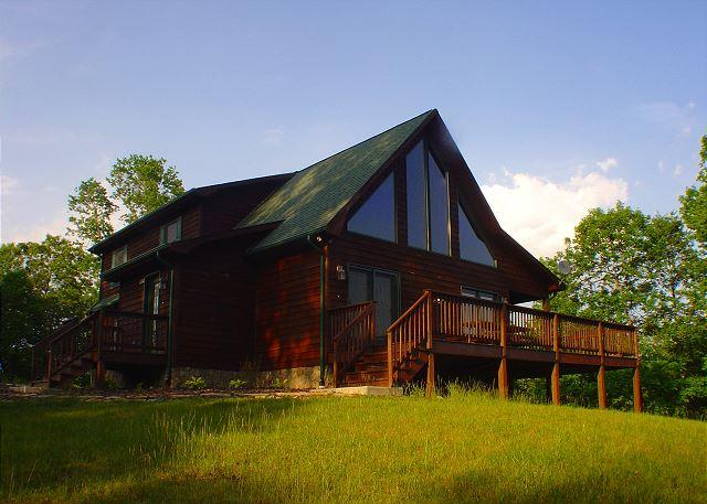 """""""COUNTRY ELEGANCE"""" Log Home W/Outdoor Fireplace -Walk To The New River! - Image 1 - Piney Creek - rentals"""