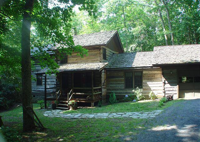"""""""CREEKSIDE HIDEAWAY"""" Log Cabin Nestled In A Private Setting by the creek - Image 1 - Todd - rentals"""