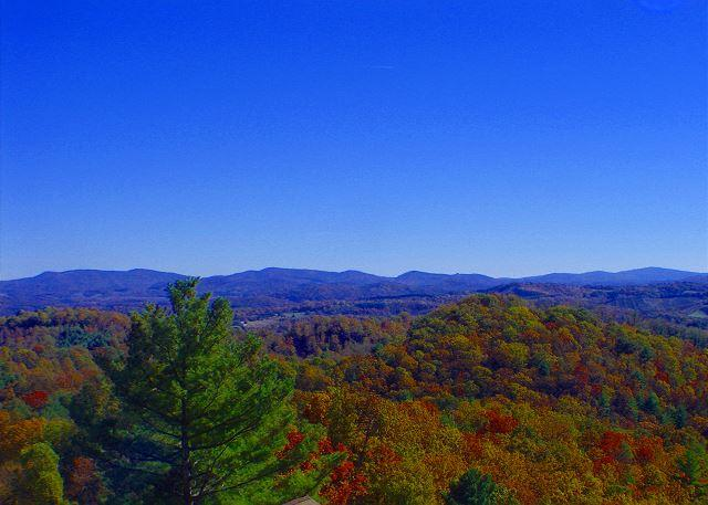 """ABOVE IT ALL"" Majestic Panoramic Views & Cool Mtn Breezes Are Yours To Enjoy - Image 1 - Grassy Creek - rentals"