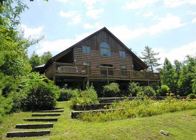 """APPALACHIAN ADVENTURES"" Log Home Near Boone, Blue Ridge Pkwy-Hot Tub & WiFi! - Image 1 - Deep Gap - rentals"