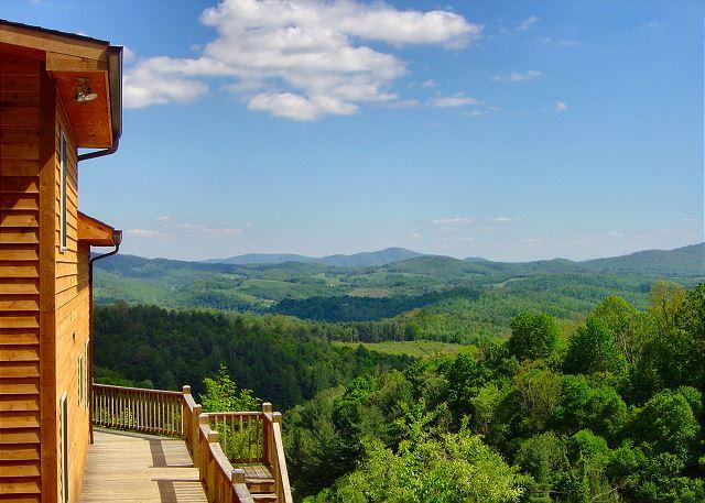"""""""A DREAM VIEW""""  See Forever! Sleeps 12 with WIFI, Pool Table & Foosball! - Image 1 - Grassy Creek - rentals"""