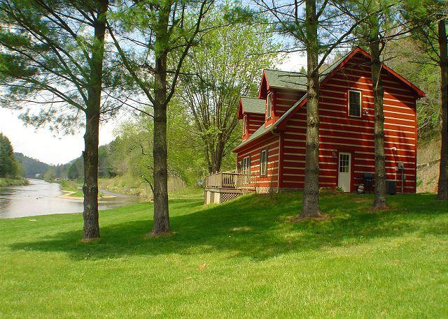 """""""BY THE RIVER""""  Experience The New River with Canoeing & Fishing! - Image 1 - Jefferson - rentals"""