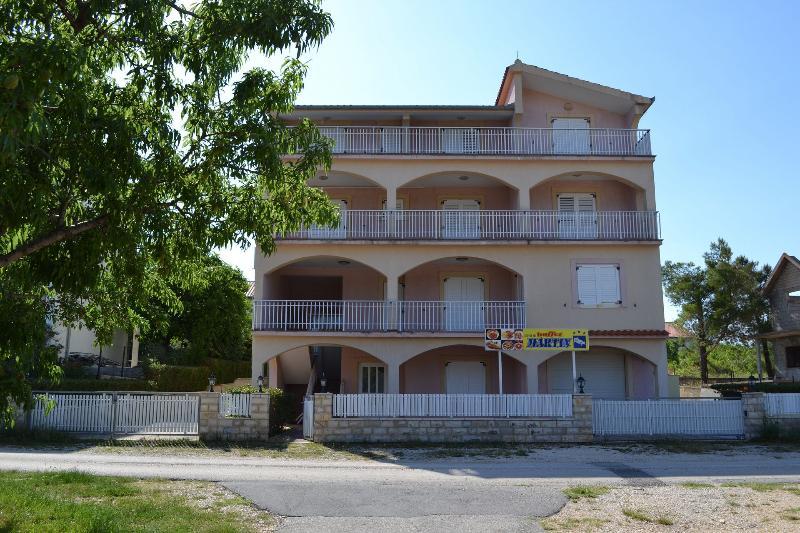house - 8243 R1(2+1) - Pridraga - Gornji Karin - rentals