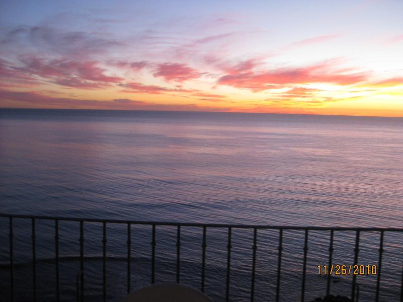 Toasting the Sunset is Tradition from your 8X24 ft. veranda Oceanfront!! - SEE VIDEO..42+ REVIEWS..OCEANFRONT w/ 24X8 veranda - Rosarito - rentals