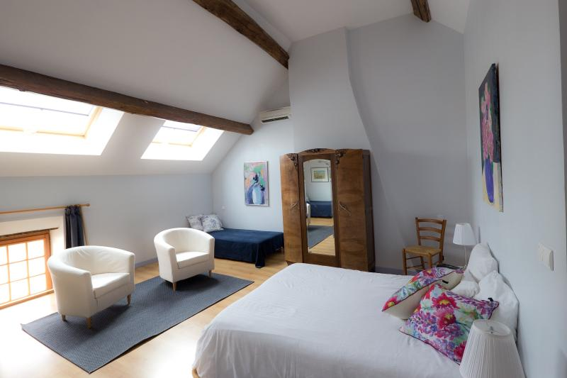 Loft master bedroom with skylights - Charming Home in Quaint Winemaking Village - Meursault - rentals