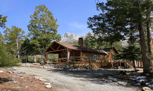 Lighthouse: 2 BR 2 BA Idyllwild natural beauty with fireplace, large back deck and front porch with swing in a private serene setting. - Lighthouse - Idyllwild - rentals