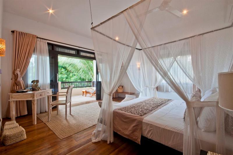 Bedroom - Villa Flow - 1 BedRoom villa w/ amazing ocean view - Karangasem - rentals