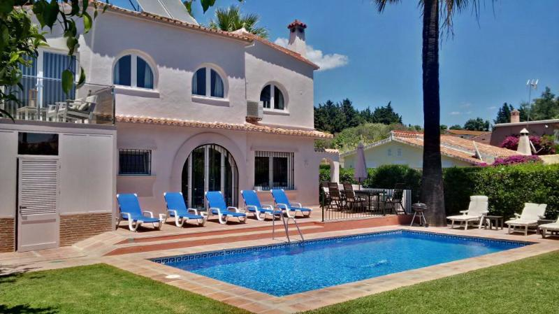 Pool and Garden area - Lovely 4 bed Villa close to Puerto Banus - Marbella - rentals
