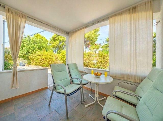 Apartments Mirjana - 33191-A2 - Image 1 - Stari Grad - rentals
