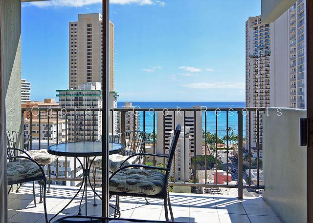 One-bedroom with ocean views and central AC; 5 min. walk to beach. Sleeps 4. - Image 1 - Waikiki - rentals
