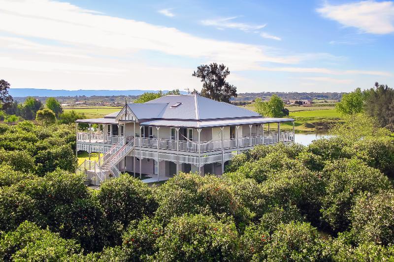 Cornwallis House - CORNWALLIS HOUSE. 4 b/r luxury waterfront property - Hawkesbury Valley - rentals