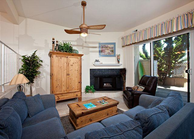 Living room - 3 Bedroom, 2 Bathroom Vacation Rental in Solana Beach - (DMBC148NS) - Solana Beach - rentals