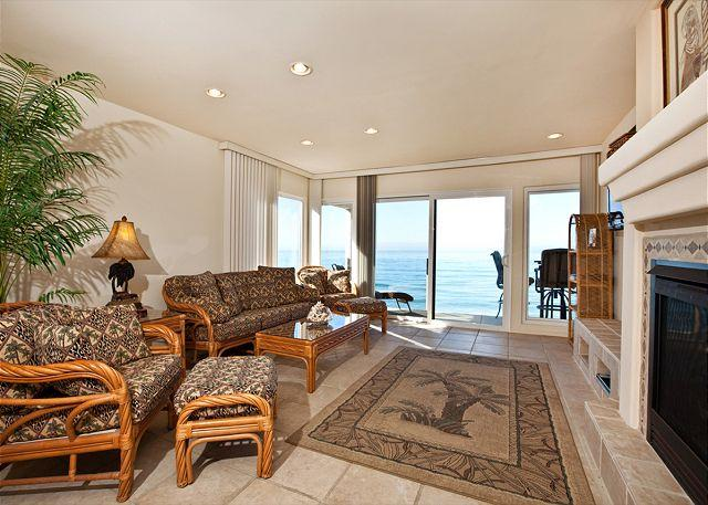 Living room with fireplace - 2 Bedroom, 2 Bathroom Vacation Rental in Solana Beach - (SBTC213) - Solana Beach - rentals