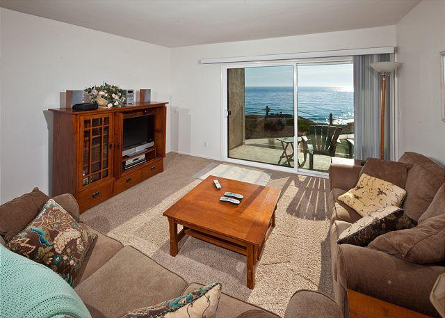 Living room - 2 Bedroom, 2 Bathroom Vacation Rental in Solana Beach - (SBTC202) - Solana Beach - rentals