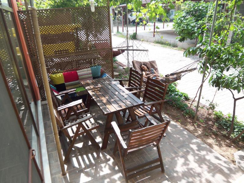 izmir seferihisar ürkmez - Apart with garden close - Image 1 - Gumuldur - rentals