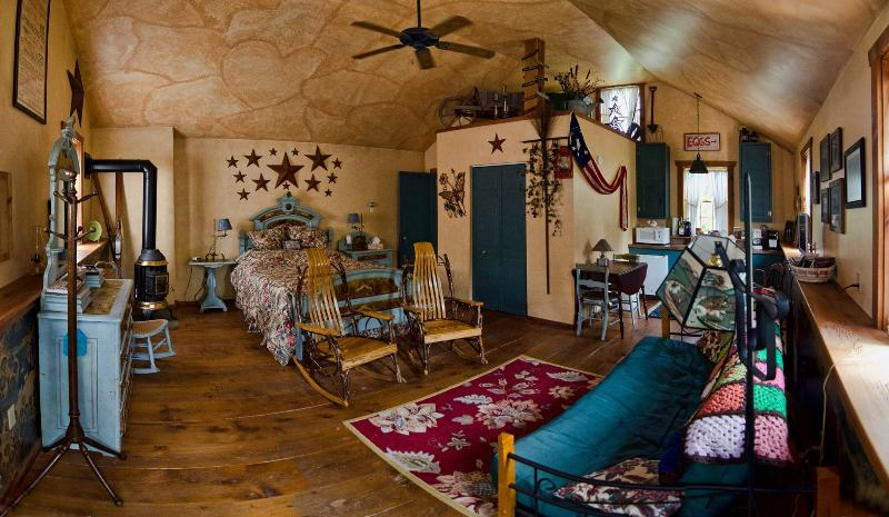 Country Cozy Cottage - Image 1 - Mohnton - rentals