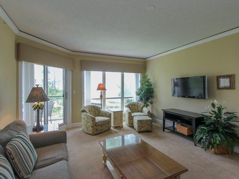 Living Room with Flat Screen at 3106 Windsor Court South - 3106 Windsor Court South - Palmetto Dunes - rentals