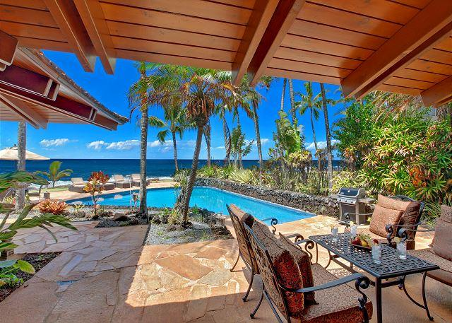 poolside dining - Ho`o Walea - Elegant 3 Bedroom Ocean Front Villa with a Pool - Poipu - rentals