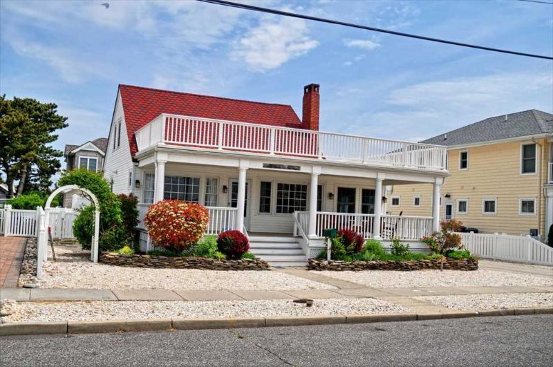 exterior - 140 108th 121433 - Stone Harbor - rentals