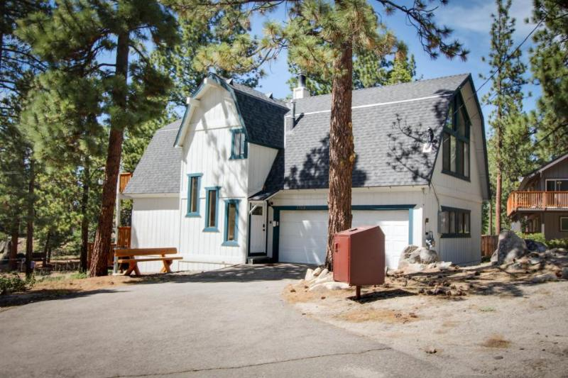 Mountain Peak Chalet - Image 1 - South Lake Tahoe - rentals