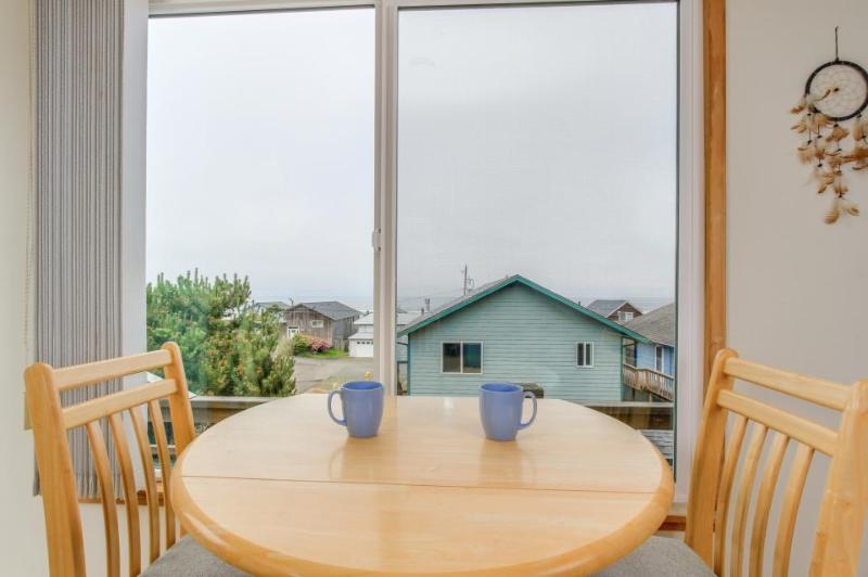 Admire ocean views from sofa, deck, or tub; walk to beach! - Image 1 - Lincoln City - rentals