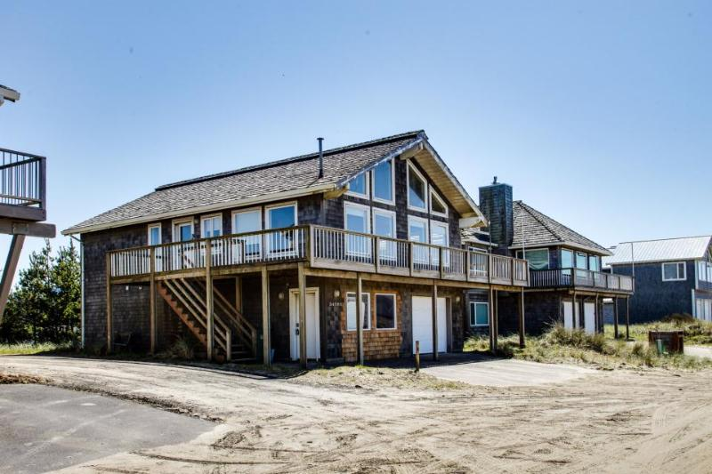 The Kiwanda Surf House - Image 1 - Pacific City - rentals