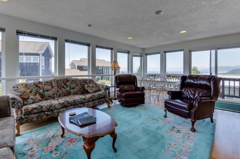 Gorgeous ocean views, space for 9 in this hilltop home - Image 1 - Rockaway Beach - rentals