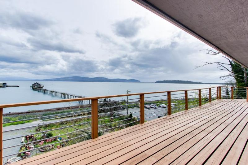 Fisherman's Dream Boat House - Image 1 - Garibaldi - rentals