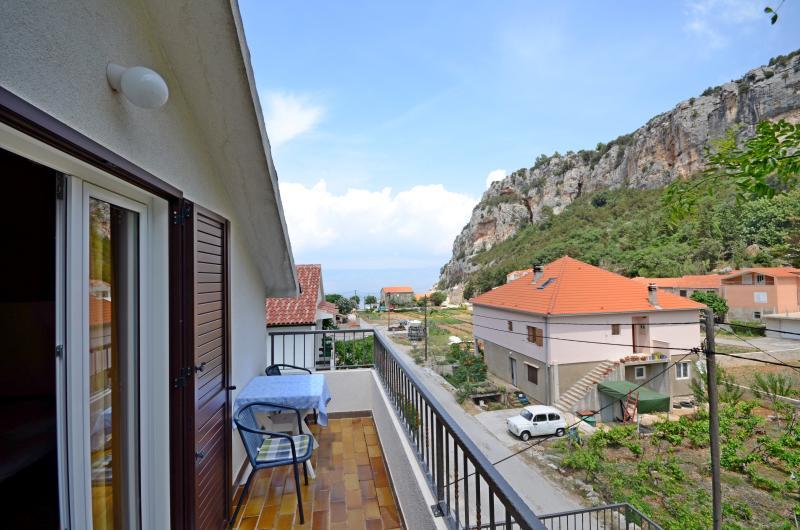 Apartments and Rooms Stjepan - 31771-S2 - Image 1 - Zastrazisce - rentals