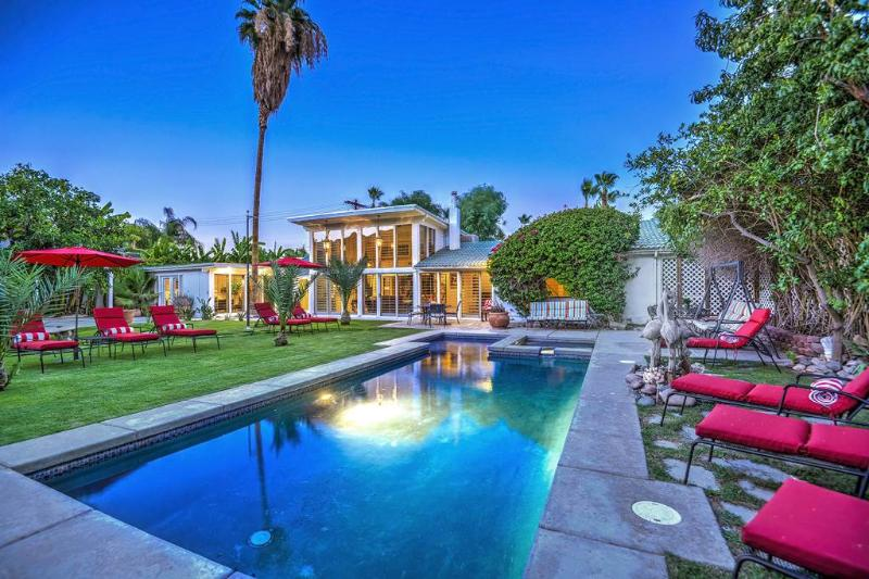 Warm Sands Family Estate - Image 1 - Palm Springs - rentals