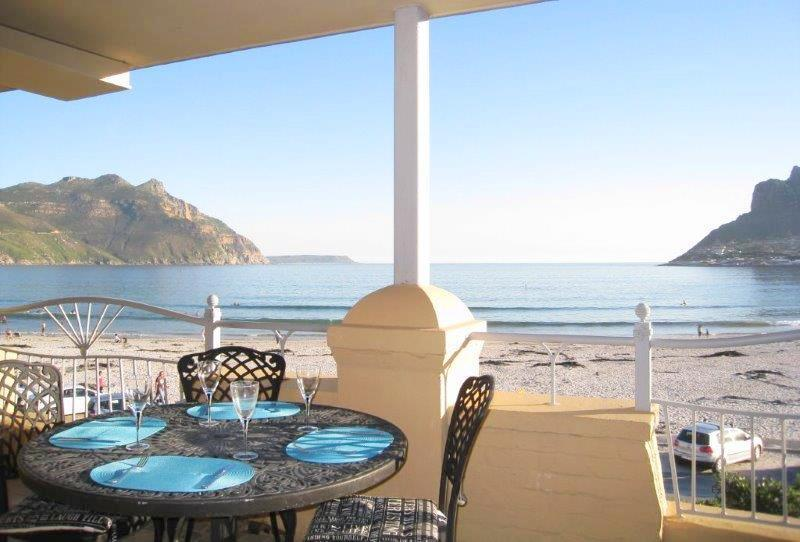 Overlooking entrance to the Bay - Beach Apartment 26 - Spectacular sea view Hout Bay - Hout Bay - rentals