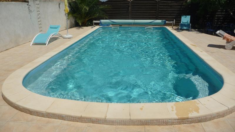 piscine acces libre..  à vos maillots - Un petit coin de Paradis - Cournonterral - rentals
