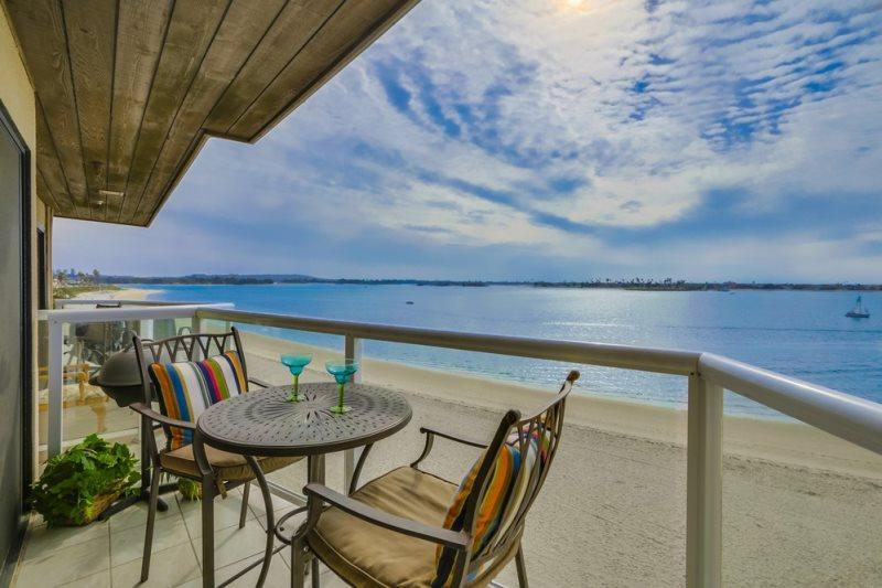 Breathtaking view of Mission Bay from Ginny`s top floor balcony. - On beautiful Sail Bay, Steps to Sand, Bikes, WiFi - Pacific Beach - rentals