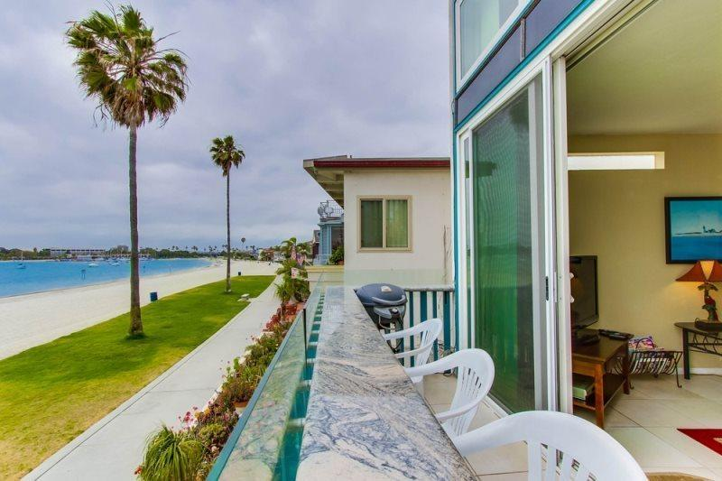 Mission Bay condo on the sand with incredible views  seconds from Mission Beach - Bob's Bayfront Paradise - Pacific Beach - rentals