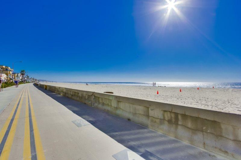 Welcome to Mission Beach, CA.  The beach, sunshine and surf are waiting for you - Pete's Mission Beach Getaway - Pacific Beach - rentals