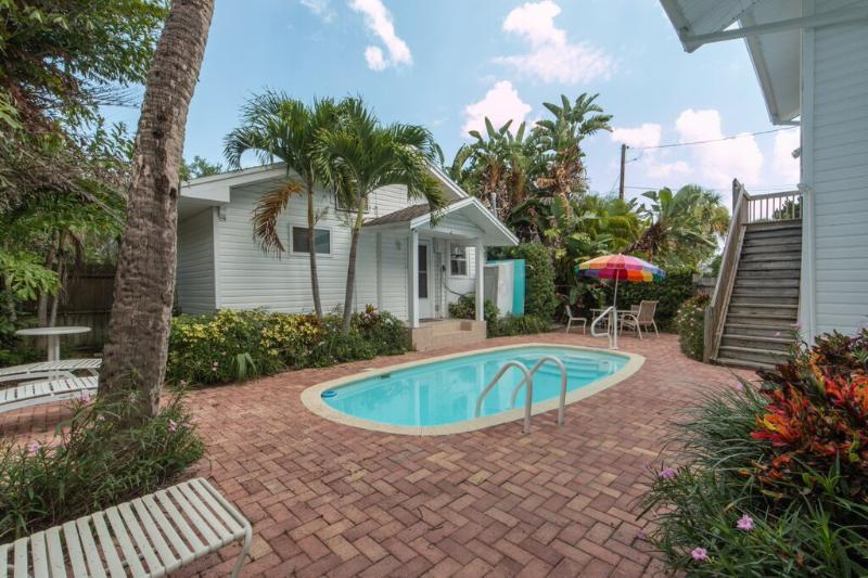 Beach Retreat - Image 1 - Clearwater Beach - rentals