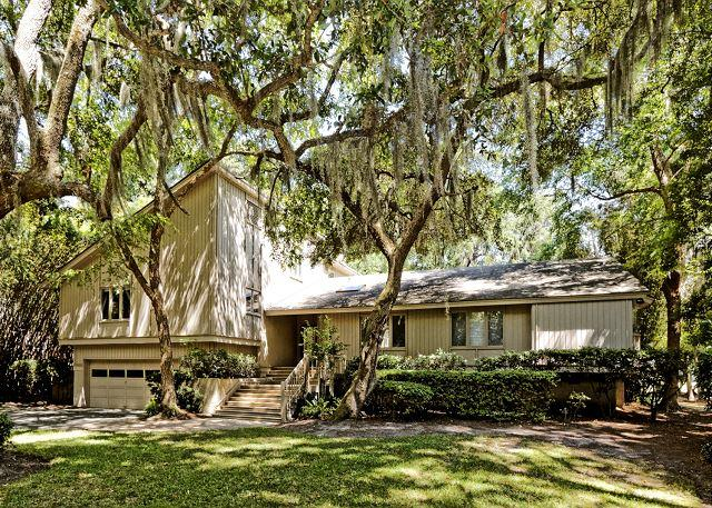 Planters Wood 24 - Beautiful 5BR/4BA Home with Large Lanai and Heatable Pool on the Golf Course - Hilton Head - rentals