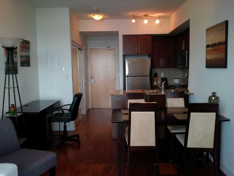 2 Bed Stylish Downtown Condo Harbourfront - Image 1 - Toronto - rentals